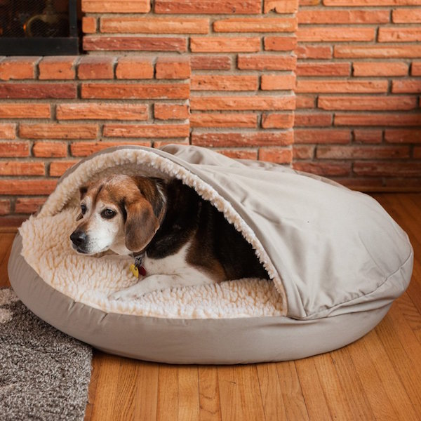 Ah Thats Cute A Sheepskin Pocket Design Dog Bed That Surely Keep Your Dog Warm In Those Harsh Winters It Comes With Washable Poly Cotton Cover