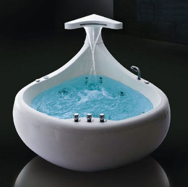 10 Beautiful Mini Bathtubs For Small Bath Spaces