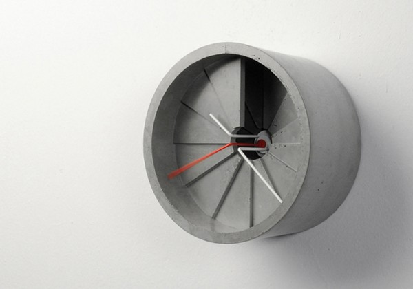 concrete-wall-clock-600x420