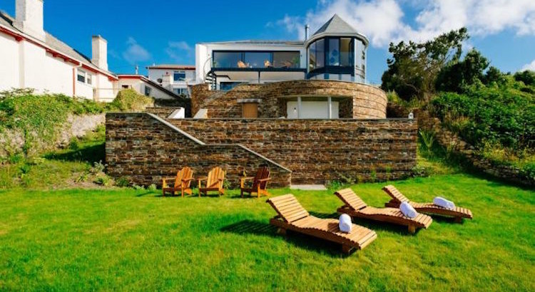 Majestic sea view luxury holiday home in sennen cove for Cool home pictures